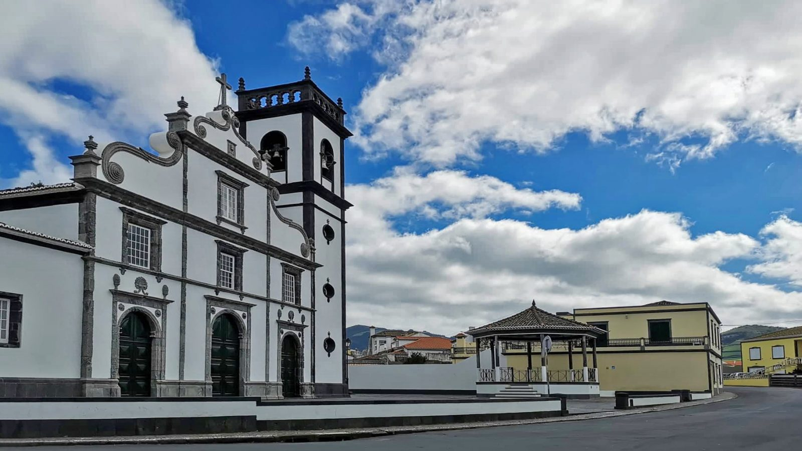 Sao Miguel in eight favourite directions